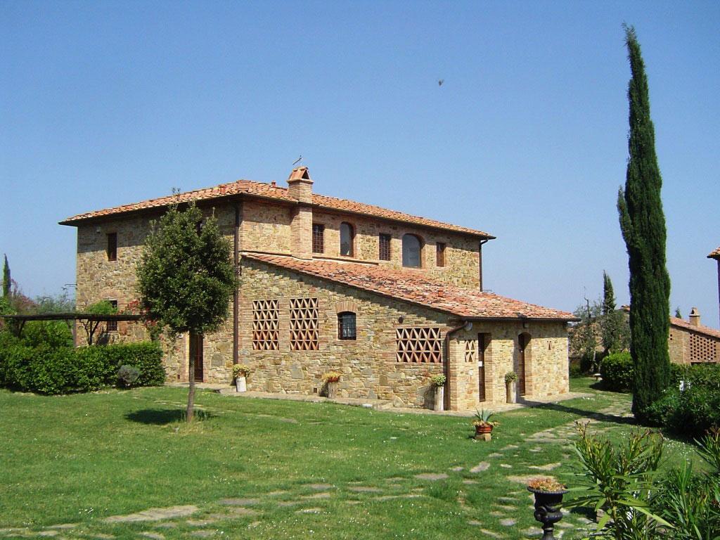 Colonica, Rigone in Chianti, agriturismo e relax con piscina in Toscana
