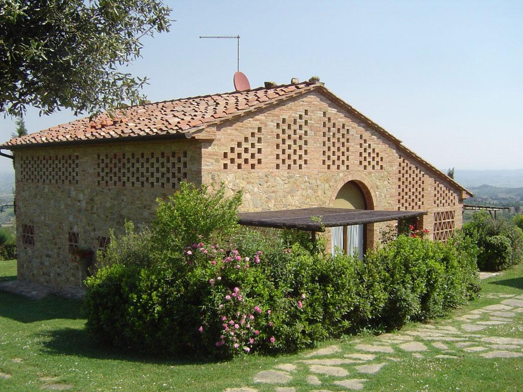Tarquinia, Rigone in Chianti, agriturismo e relax con piscina in Toscana